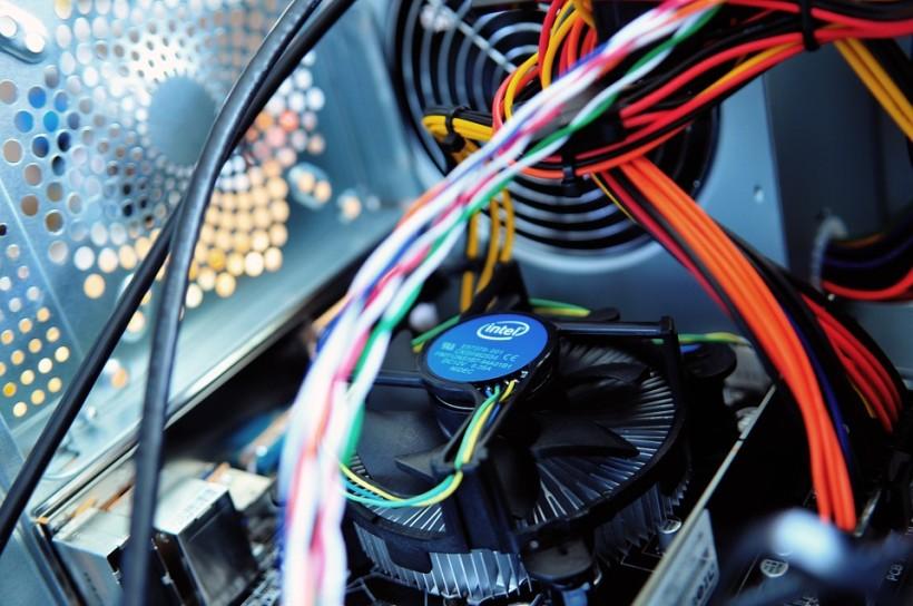 Siete - Fyzický prenos, MAC adresy a protokoly