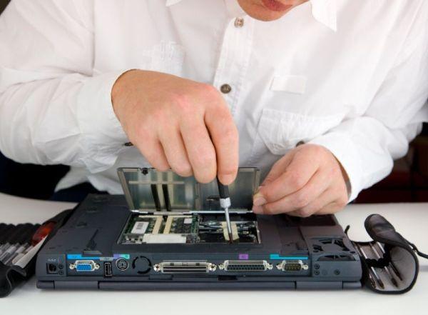 Opravit notebook? Vyplatí se to i dnes! Ale musíte…